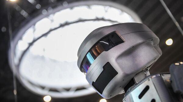 Робот на одном из выставочных стендов