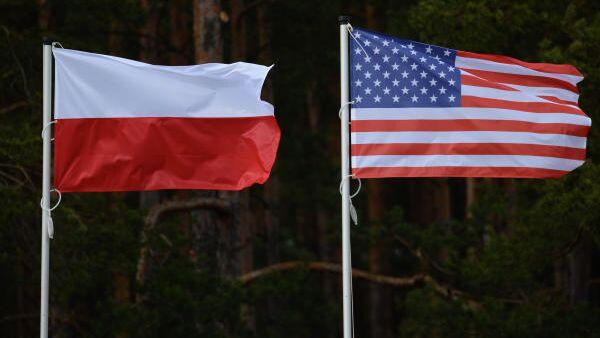 Флаги США и Польши