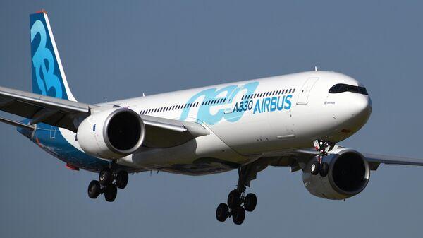 Широкофюзеляжный пассажирский самолёт фирмы Airbus A330