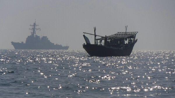 Эсминец USS McFaul (DDG 74) в Персидском заливе
