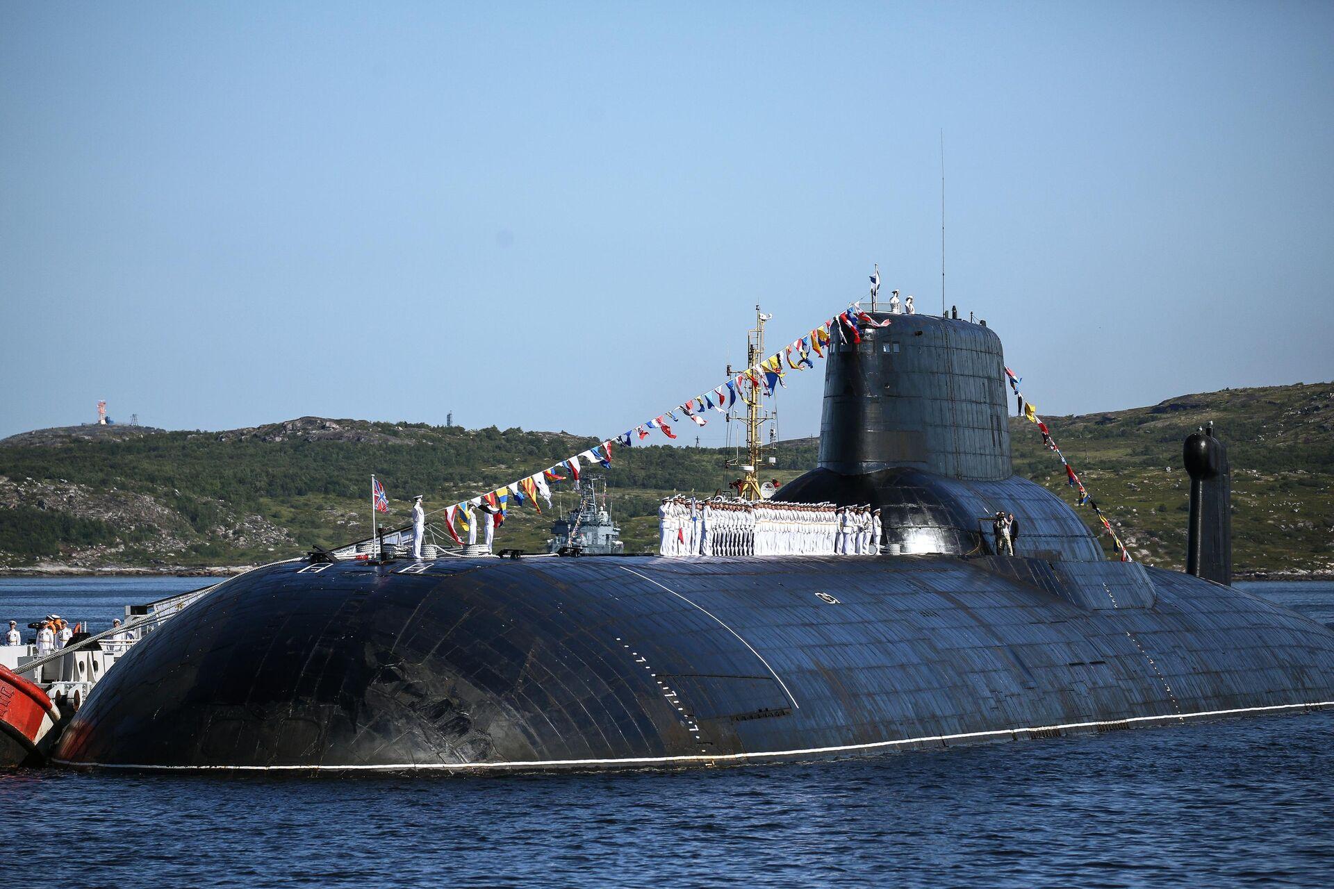 Тяжёлый атомный ракетный подводный крейсер стратегического назначения проекта 941 Акула ТК-208 Дмитрий Донской  - РИА Новости, 1920, 23.07.2021
