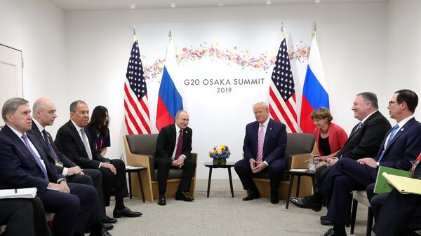 Экс-советник Хилл заявила, что Трамп и Путин пренебрегали ей