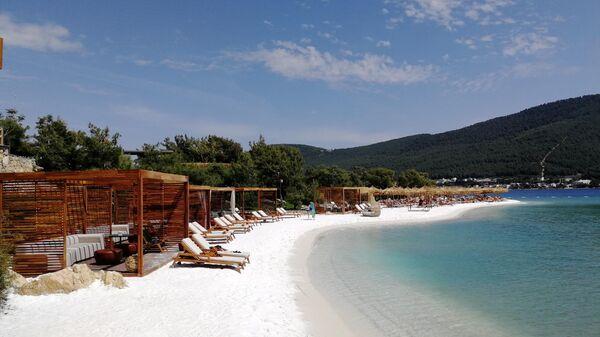 Вид на пляж отеля Lujo Bodrum