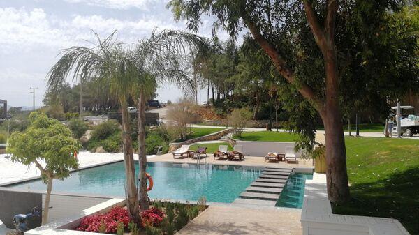 Бодрум, Подогреваемый бассейн с морской водой отеля Lujo Bodrum