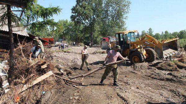 Росгвардия организовала 9 стационарных пунктов раздачи воды в Иркутской области