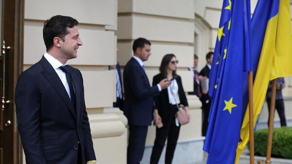 Президент Украины Владимир Зеленский встречает участников 21-го саммита Украина - Европейский союз в Киеве. 8 июля 2019