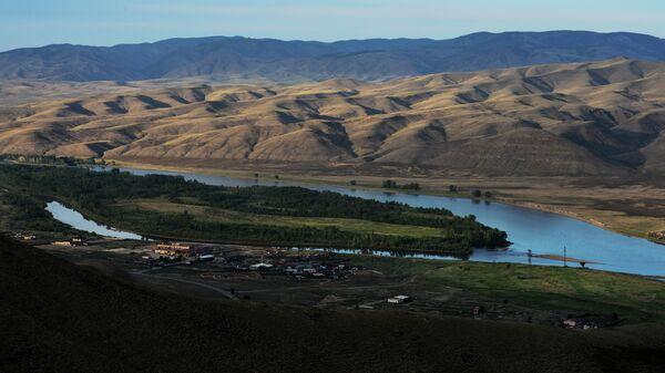 Вид на Енисей в пригороде Кызыла, Республика Тыва
