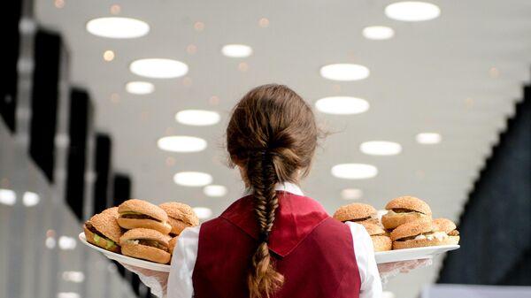 Бургеры в Экспофоруме на XX Петербургском международном экономическом форуме