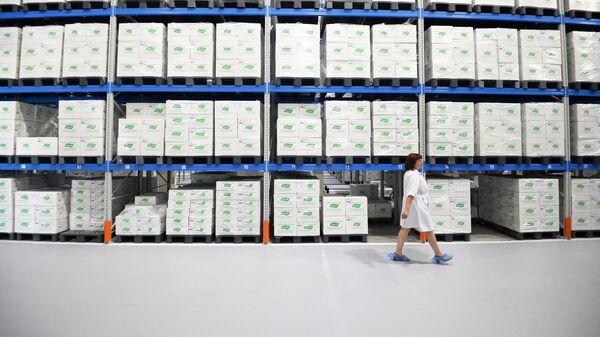 Складское помещение завода по выпуску лекарственных препаратов растительного происхождения компании Эвалар в городе Бийске Алтайского края