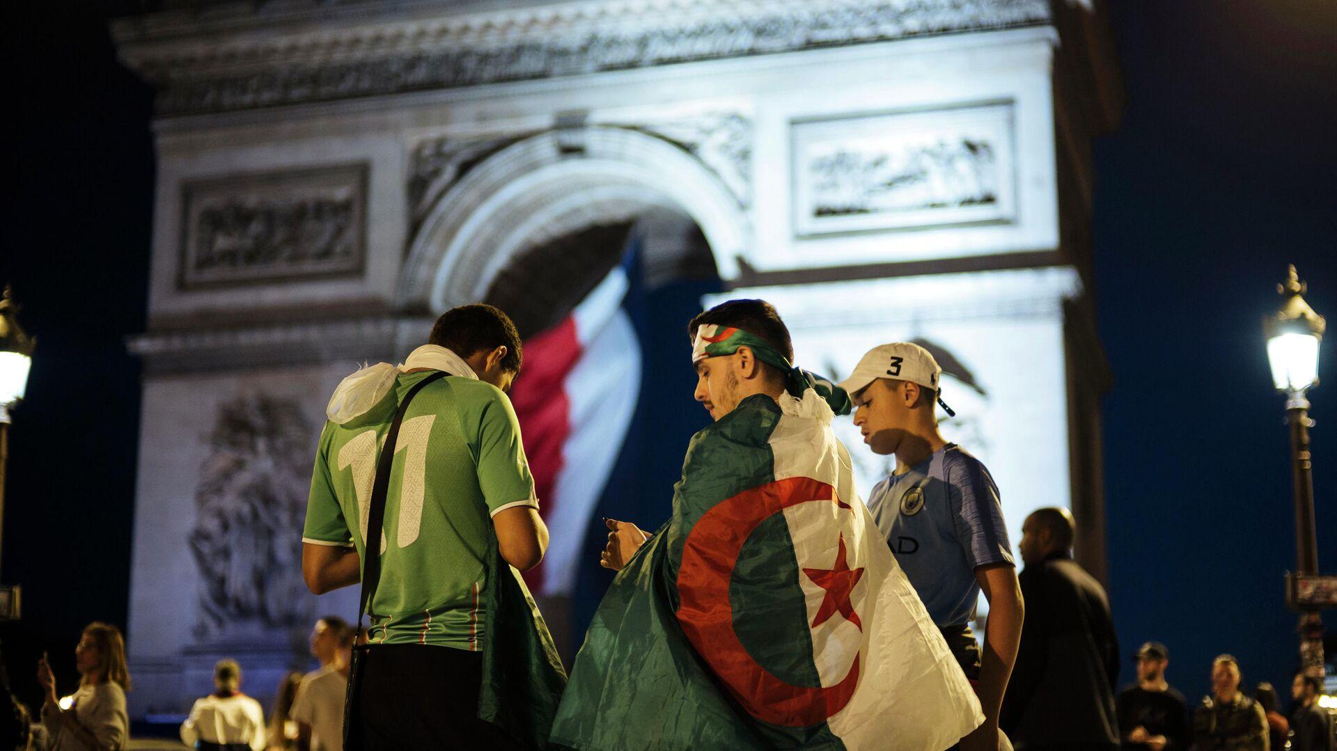 """Алжир отозвал посла из Парижа из-за """"безответственных"""" слов президента Франции Макрона"""