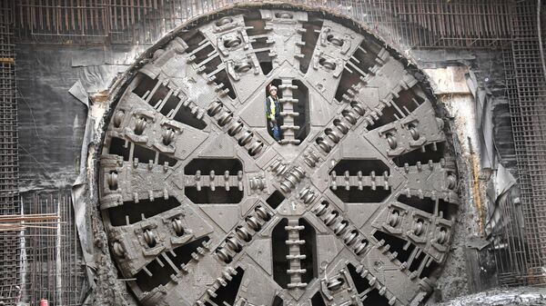 Тоннелепроходческий щит во время строительства новой станции Некрасовской линии Московского метрополитена Нижегородская