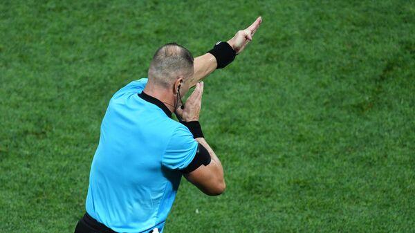 Главный судья футбольного матча