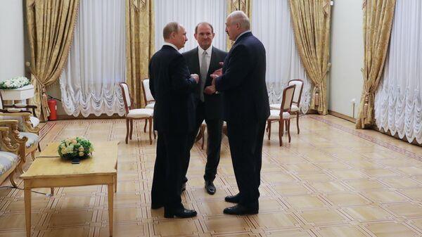 Владимир Путин, Виктор Медведчук и Александр Лукашенко во время встречи в Таврическом дворце. 18 июля 2019