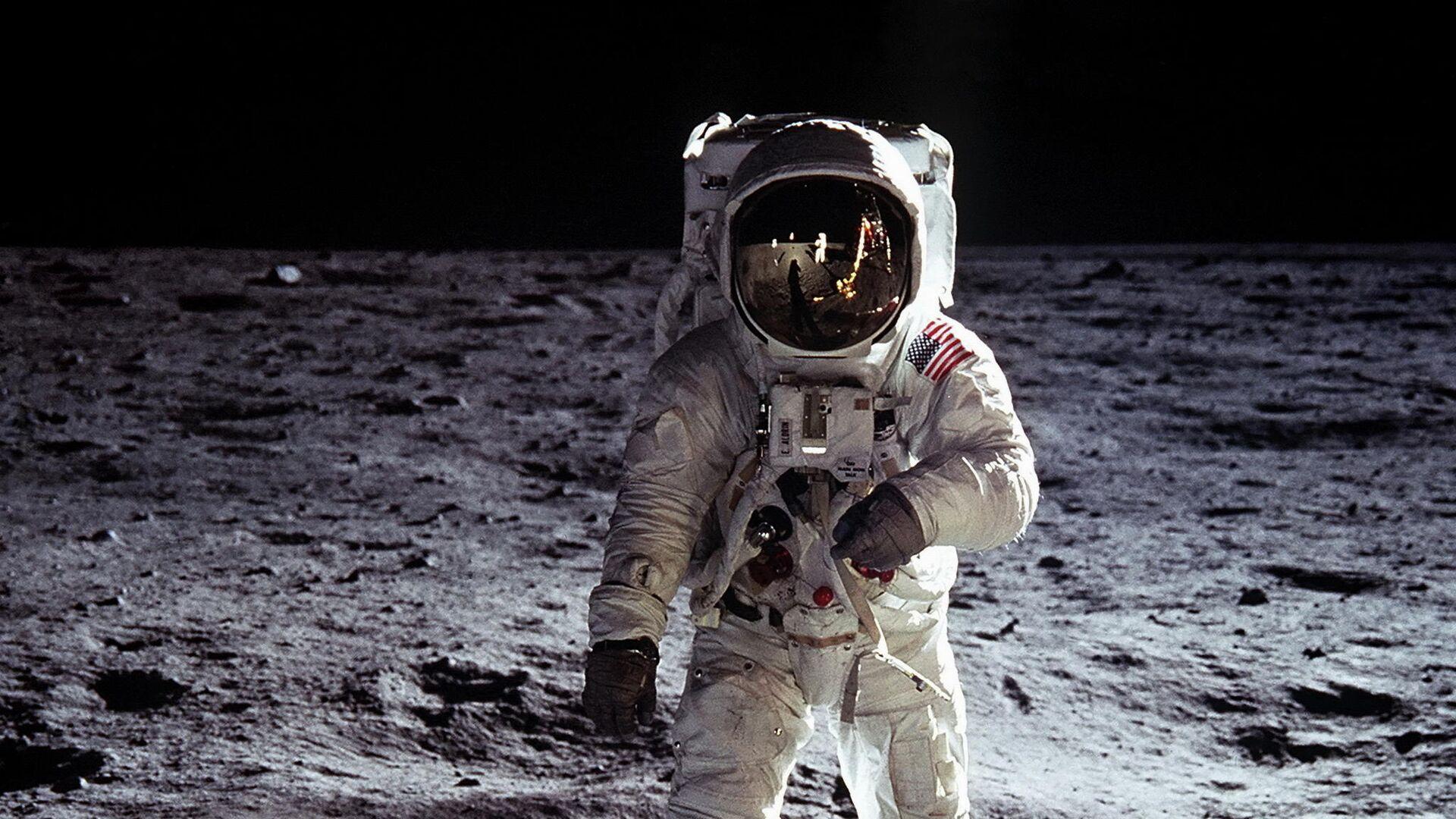 Эдвин Олдрин на поверхности Луны в 1969 году - РИА Новости, 1920, 17.09.2020