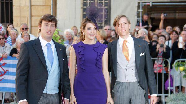 Принц Себастьян , принцесса Тесси и принц Луи