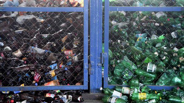 Ячейки для отдельного сбора отходов на мусоросортировочном комплексе