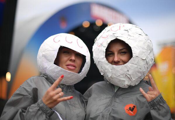 Девушки на фестивале Нашествие