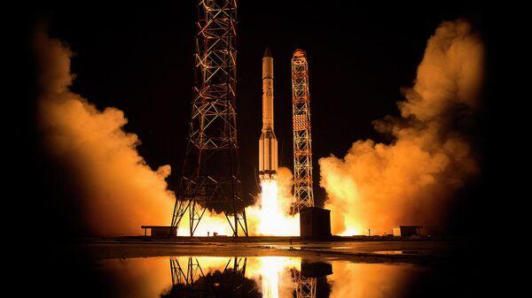 Запуск спутник связи Ямал-601 в космодрома Байконур