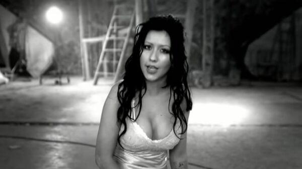 Кадр из клипа Кристины Агилеры The Voice Within