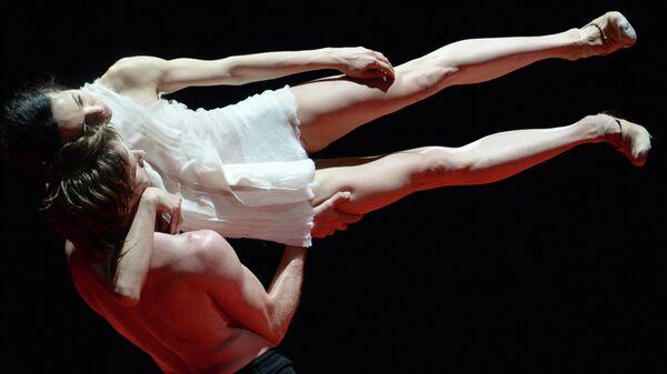 Диана Вишнева и Андрей Меркурьев в сцене из балета Объект перемен в Государственном Кремлевском дворце
