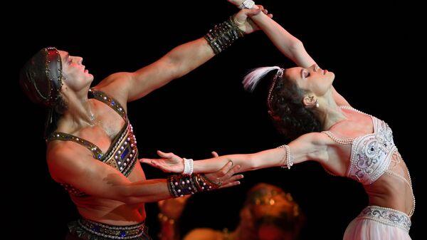 Мария Виноградова и Иван Васильев в сцене из балета Шахерезада в Государственном Кремлевском Дворце