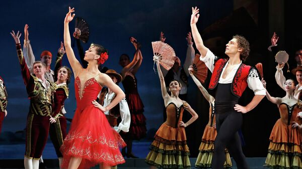 Наталья Осипова и Иван Васильев в сцене из балета Дон Кихот в Театре Дэвида Коха в Нью-Йорке