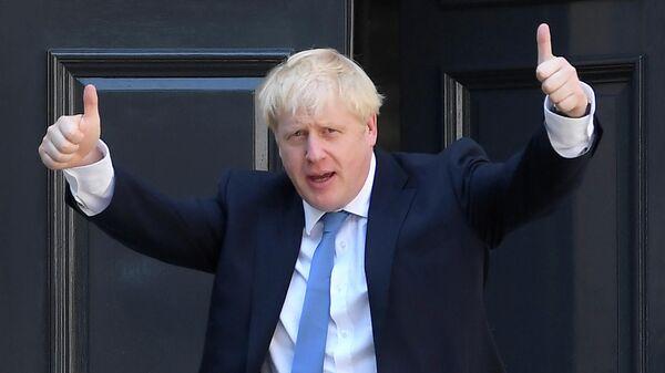Борис Джонсон у штаб-квартиры Консервативной партии в Лондоне