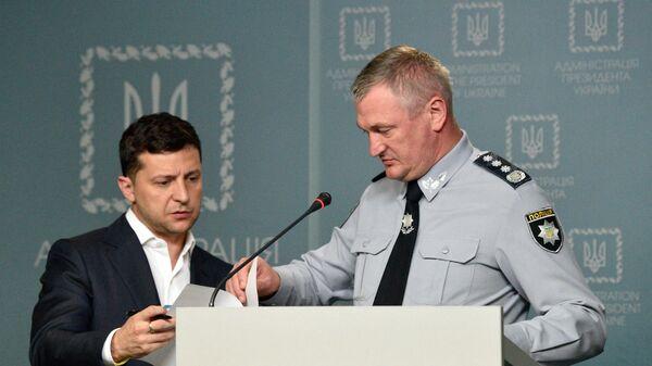 Президент Украины Владимир Зеленский и глава Национальной полиции Сергей Князев