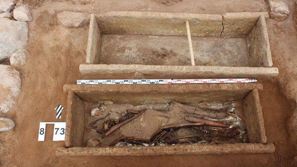 Останки боярина, захороненного в Юрьевом монастыре
