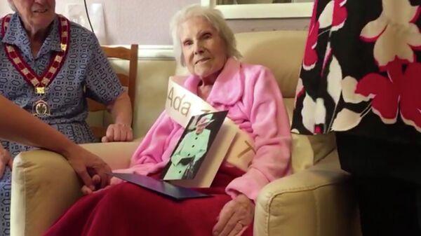 Скриншот видео поздравления Ады Хэлворт со 108 летием