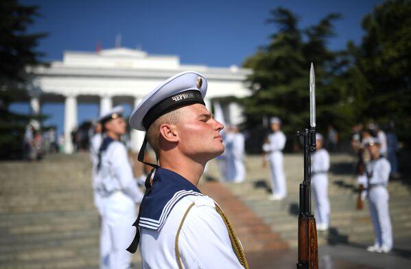 Моряки Черноморского флота во время празднования Дня ВМФ в Севастополе. 28 июля 2019