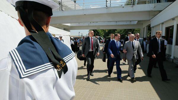 Председатель правительства РФ Дмитрий Медведев после посещения парада кораблей в Севастополе в честь Дня Военно-морского флота России. 28 июля 2019