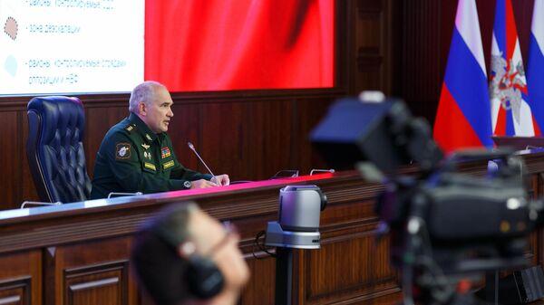 Начальник Главного оперативного управления Генштаба РФ Сергей Рудской проводит брифинг по ситуации в Сирии