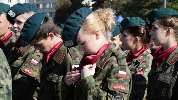 Кадеты во время мемориальных мероприятий в Варшаве