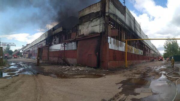 Пожар в цехе по производству жидкости для розжига в Рязани
