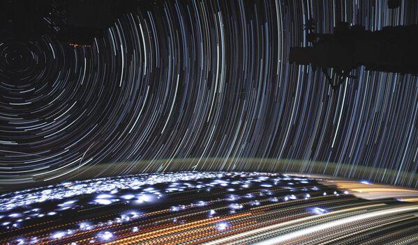 Снимок Земли с борта МКС на длинной выдержке