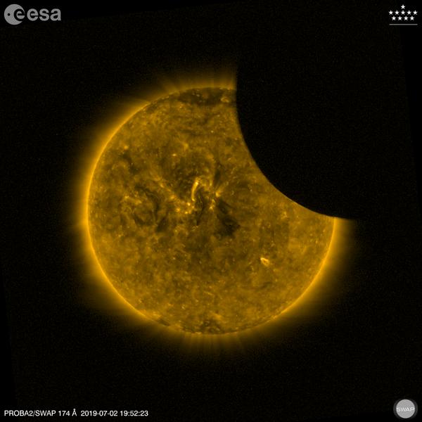 Луна проходящая через Солнце. 2 июля 2019 года