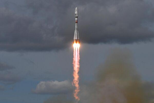 Пуск ракеты-носителя Союз-2.1б с разгонным блоком Фрегат и метеорологическим спутником Метеор-М номер 2-2 с космодрома Восточный