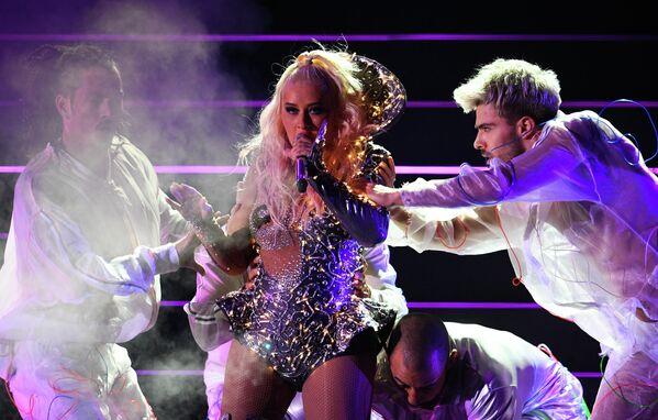 Певица Кристина Агилера выступает на концерте на стадионе ВТБ Арена - Центральный стадион Динамо в Москве