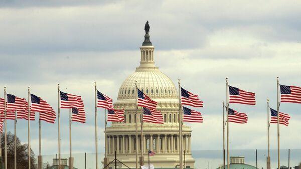 Здание Конгресса США на Капитолийском холме в Вашингтоне