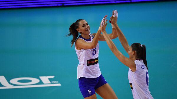 Волейболистки сборной России Наталья Гончарова (слева) и Ирина Королёва