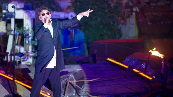 Певец Григорий Лепс выступает на XXIV Международном Байк-шоу Тень Вавилона у горы Гасфорта под Севастополем