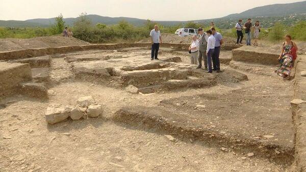 Археологические раскопки на месте древнего города Солхат в Крыму