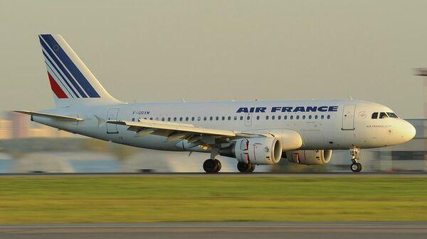 Самолет Airbus A319 авиакомпания Air France
