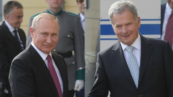 Президент РФ Владимир Путин и президент Финляндии Саули Ниинистё во время встречи. 21 августа 2019