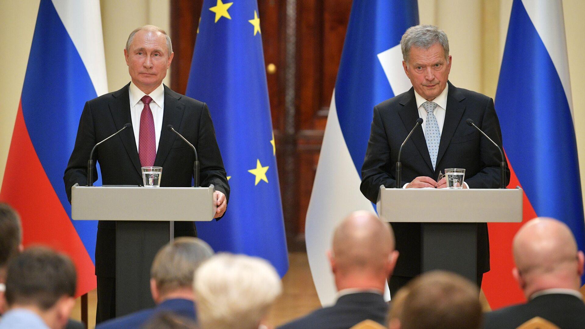 Президент РФ Владимир Путин и президент Финляндии Саули Ниинистё во время совместной пресс-конференции - РИА Новости, 1920, 17.09.2021