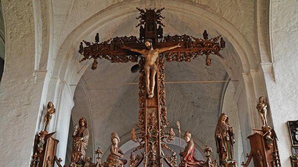 Распятие Бернта Нотке в Любекском кафедральном соборе - старейшей церкви города 12 века постройки