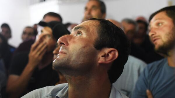 Сторонники в штабе кандидата в президенты Абхазии Алхаса Квицинии в Сухуме