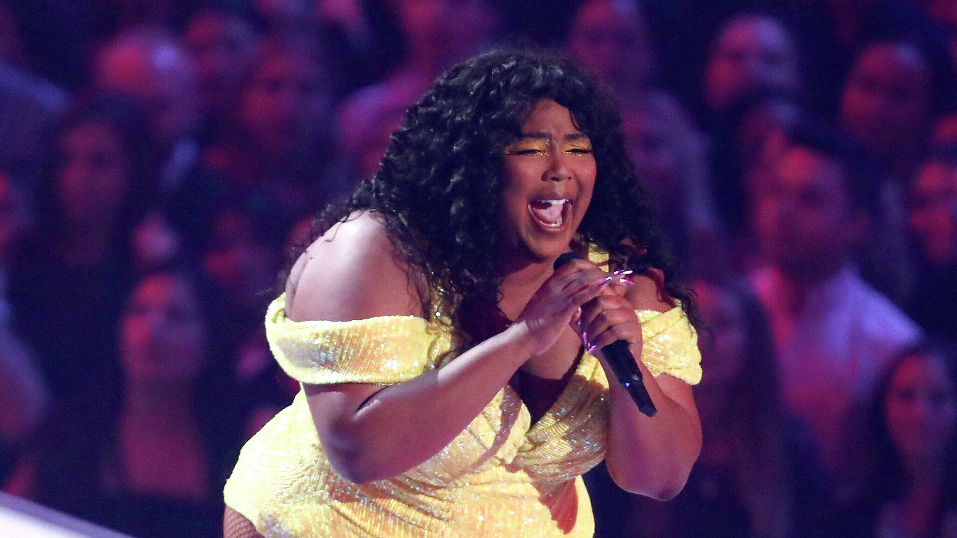 Певица Лиззо на церемонии вручения премии 2019 MTV Video Music Awards - РИА Новости, 1920, 18.09.2021