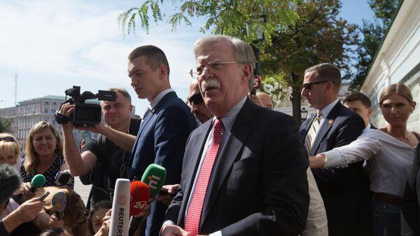 Советник президента США по вопросам национальной безопасности Джон Болтон во время интервью в Киеве